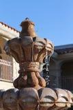 Keramisk springbrunn Arkivfoto