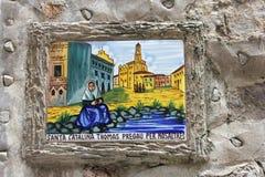 Keramisk tegelplatta av helgonet Santa Catalina, beskyddare av Valldemossa, Majorca Arkivbilder