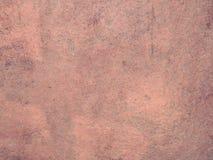Keramiska beigea eller röda bruna tegelplattor i dusch arkivbilder