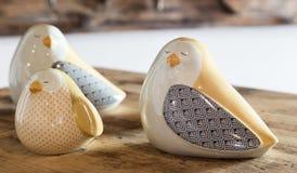Keramiska dekorativa fåglar Royaltyfri Fotografi
