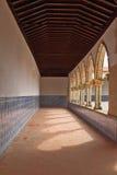 keramiska dekorerade sunlit tegelplattor för galleri Royaltyfri Foto