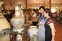 Keramiska keramiska produkter av Chu Dau Royaltyfri Bild