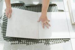 keramiska läggande tegelplattor Royaltyfri Bild