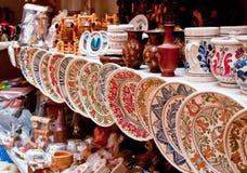 Keramiska plattor och souvenir Arkivfoton