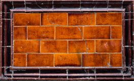 Keramiskt murverk för gammal emalj med sprickor Arkivfoto