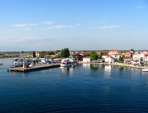 Keramoti, Mittelmeerdorf und Hafen, Griechenland stockbilder