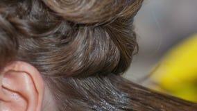 Keratyna włosy prostuje w domu zdjęcie wideo