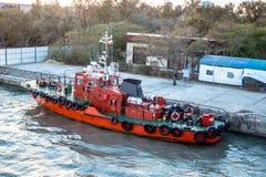 KERCH, КРЫМ - ОКТЯБРЬ 2014: Порт Krym Скрещивание парома Kerchenskaya стоковая фотография rf