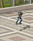 Kerel met skateboard Royalty-vrije Stock Afbeeldingen