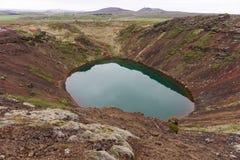 Kerið火山的火山口湖在冰岛也叫Kerid或Kerith 库存图片