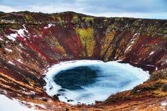 Kerid火山口湖冰岛 免版税库存图片