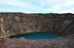 Kerid绿松石冰岛的颜色湖 库存照片