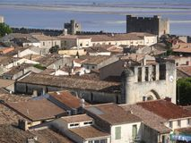 Kerk in aigues-Mortes Stock Foto