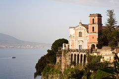 Kerk - Amalfi Kust Stock Foto's