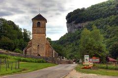 Kerk bij Baume les Messieurs, Bourgondië - Frankrijk stock foto