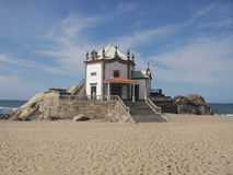 Kerk bij strand Royalty-vrije Stock Fotografie