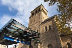 Kerk in Bochum Duitsland in de herfst stock foto's