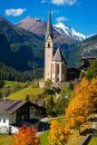 Kerk in Cortina, de herfst, Italië Stock Foto's