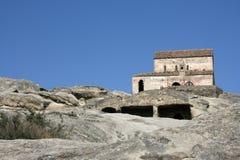 Kerk in de bergen van de Kaukasus Royalty-vrije Stock Afbeeldingen
