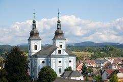 Kerk in de stad Zamberk, Tsjechische republiek stock afbeeldingen
