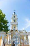 Kerk in de zomer Stock Afbeelding