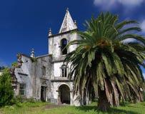 Kerk die door aardbeving (Faial, de Azoren) wordt vernietigd Stock Fotografie