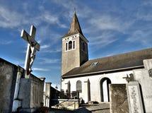 Kerk en begraafplaats Royalty-vrije Stock Afbeeldingen