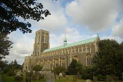 Kerk en bomen Stock Afbeelding