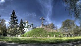 Kerk en een graf van militairen Stock Foto
