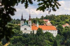 Kerk en klooster Vranov Stock Foto's