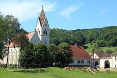 Kerk en landschap Stock Afbeeldingen