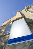 Kerk en lege banner royalty-vrije stock fotografie