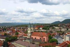 Kerk en vesting Eger Hongarije Stock Foto's