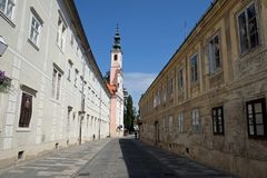Kerk gewijd aan de Geboorte van Jesus in Varazdin, Kroatië royalty-vrije stock foto