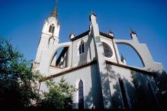 Kerk, laag hoekperspectief Royalty-vrije Stock Foto's
