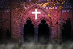 Kerk met magisch dwarslicht Stock Afbeeldingen