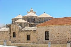 Kerk met vijf koepels van Agia Paraskevi in Paphos cyprus Stock Afbeeldingen