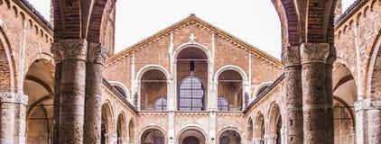 Kerk in Milaan, middenleeftijden, bouw en historische gebouwen royalty-vrije stock foto's