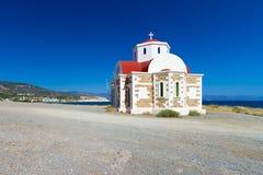 Kerk op de kust van Kreta Stock Afbeelding