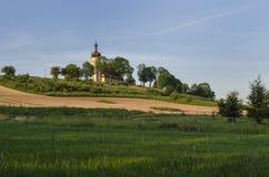 Kerk op heuvel Royalty-vrije Stock Afbeeldingen
