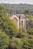 Kerk in platteland Stock Foto's