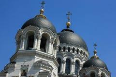 Kerk Russische zwarte koepel Stock Afbeeldingen
