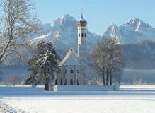 Kerk in sneeuw Stock Afbeelding
