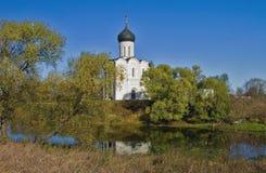 Kerk van de Interventie op Nerl. Stock Foto's