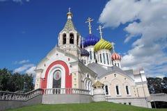 Kerk van de Transfiguratie in Peredelkino, Rusland Kleurenfoto Stock Fotografie