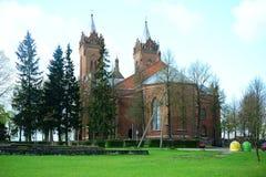 Kerk van de Veronderstelling van Christus in Kupiskis-stad stock afbeelding