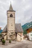 Kerk van Heilige Florian in Canazei-stad - het Dolomiet van Italië Stock Foto