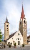 Kerk van Heilige Laurentius in San Lorenzo di Sebato - Italië Stock Foto's