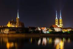 Kerk van het Heilige Kruis en St Bartholomew en kathedraal van heilige john doopsgezind in Wroclaw, Polen royalty-vrije stock foto's