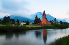 Kerk van het Zwitserse dorp van Sils Maria in de Engadine-vallei Royalty-vrije Stock Fotografie